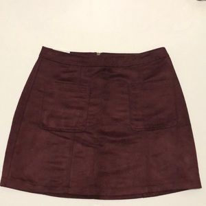NWT: Old Navy wine coloured skirt size 10